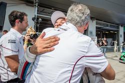 Parc fermé: Augusto Farfus, BMW Team RBM BMW M4 DTM celebrates with BMW Motorsport director Jens Marquardt