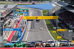Start: Augusto Farfus, BMW Team RBM BMW M4 DTM and Pascal Wehrlein, HWA DTM Mercedes AMG C-Coupé