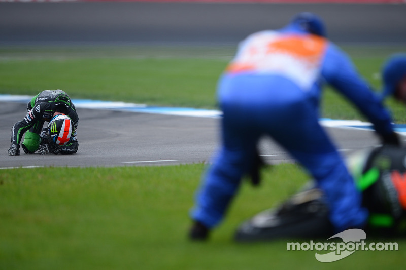 Crash for Bradley Smith, Monster Yamaha Tech 3