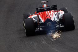 Max Chilton, Marussia F1 Team MR03 sparks through Eau Rouge