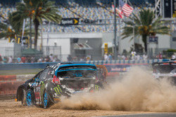 #43 Hoonigan Racing Division Ford Fiesta ST: Ken Block and #14 Barracuda Racing Ford Fiesta ST: Austin Dyne battle