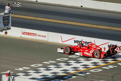 Scott Dixon, Target Chip Ganassi Racing Chevrolet takes the win