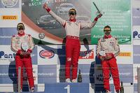 Podium: race winner Lance Stroll, second place Takashi Kasai, third place Brandon Maisano