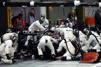 Kevin Magnussen, McLaren MP4-29 makes a pit stop