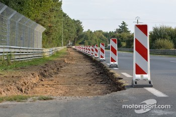 Road work on the Circuit de la Sarthe