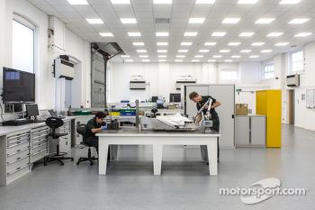Tour of Caterham F1 Team's Leafield factory