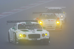 #28 Bentley Motorsport Bentley Continental GT3: Steven Kane, Andy Meyrick, Guy Smith