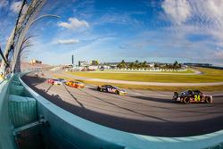 Jeff Gordon, Hendrick Motorsports Chevrolet, Denny Hamlin, Joe Gibbs Racing Toyota, Joey Logano, Team Penske Ford, Kevin Harvick, Stewart-Haas Racing Chevrolet