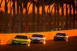Matt Kenseth, Joe Gibbs Racing Toyota, Brad Keselowski, Team Penske Ford and Jimmie Johnson, Hendrick Motorsports Chevrolet