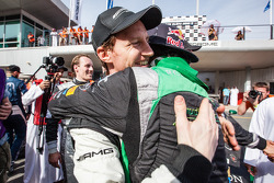 Race winner Abdulaziz Al Faisal celebrates with Thomas Jäger