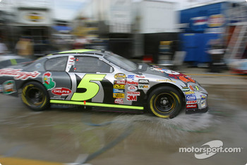 Terry Labonte back to the garage
