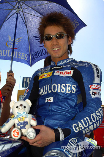 Nobuatsu Aoki on the starting grid