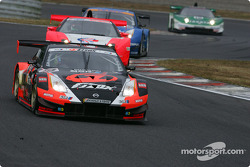 Nissan Fairlady Z: Toshihiro Kaneishi, Erik Comas