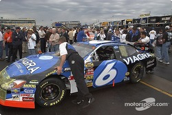Viagra Ford crew in pre-race technical inspection line