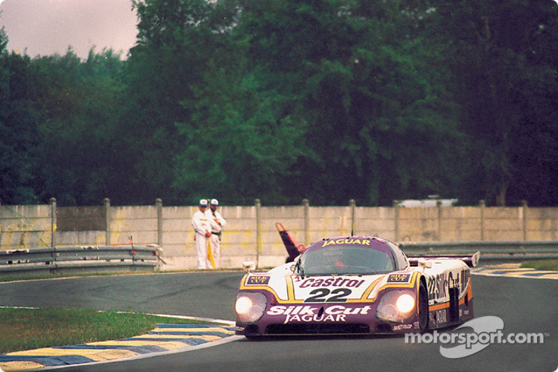 #22 Silk Cut Jaguar Jaguar XJR-9: Derek Daly, Kevin Cogan, Larry Perkins