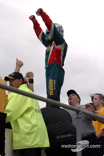 Russell Ingall finished 3rd in the race sealing 2nd position in the Championship