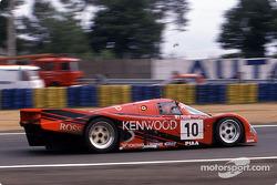 #10 Porsche Kremer Racing Porsche 962C: Kunimitsu Takahashi, Giovanni Lavaggi, Bruno Giacomelli