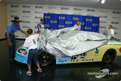 Petty - Victory Junction Gang press conference: Richard and Kyle Petty unveil the car with a special paint scheme