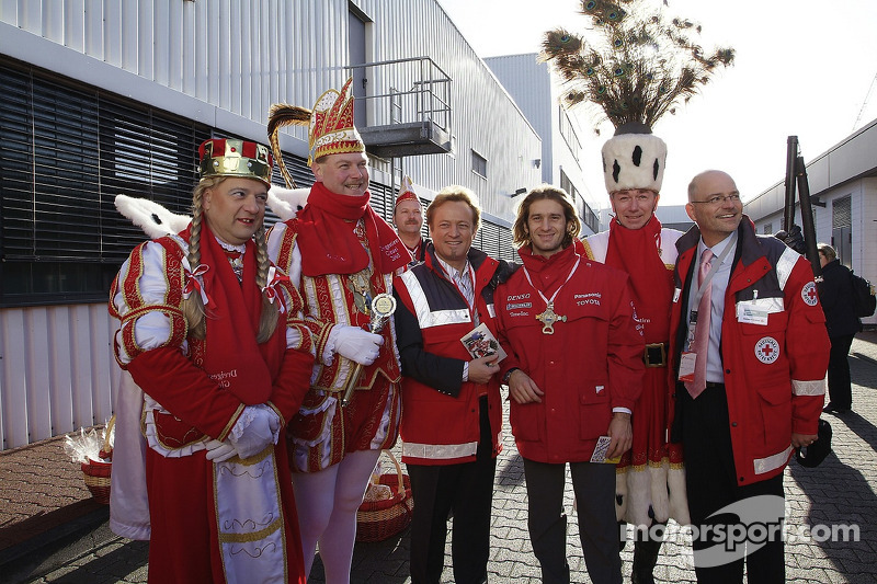 Jarno Trulli gets into Cologne Carnival spirit