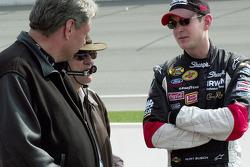 Dale Jarrett and Elliott Sadler talk before qualifying