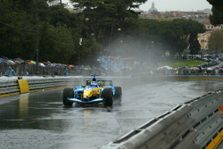 Franck Montagny drives the Renault F1