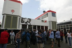 Activity at the BAR-Honda hospitality area prior to the press conference