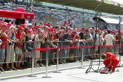 Fans at pitwalk