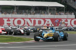 Start: Giancarlo Fisichella leads the field