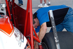Like many USAC drivers, Heydenreich turns the wrenches himself