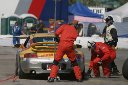 Pitstop for #28 Race Prep Motorsports Porsche 996: Spencer Pumpelly, Tim Gaffney, Mike Pickett