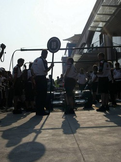 Pitstop practice at BAR-Honda