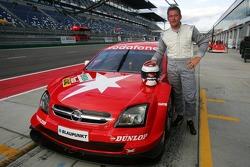 Jos Verstappen tests the Opel Vectra GTS V8 DTM