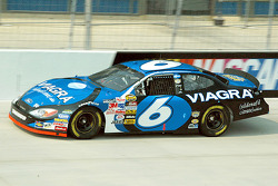 Sentimental favorite Mark Martin qualified 7th