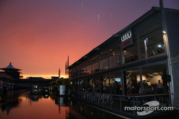 Sunset on the Istanbul Otodrom paddock