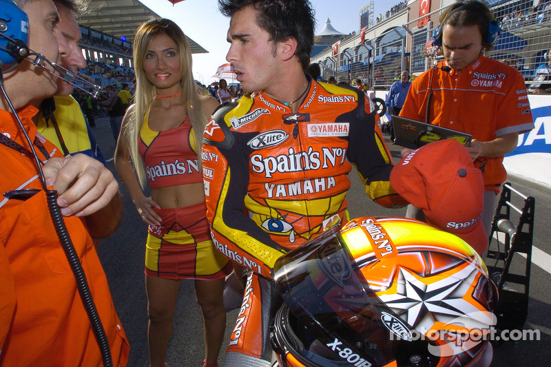 Toni Elias on the starting grid