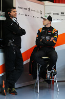 (L to R): Bradley Joyce Sahara Force India F1 Race Engineer with Nico Hulkenberg
