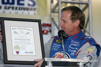 Rusty Wallace accepts the North Carolina 'Order of the Long Leaf Pine'