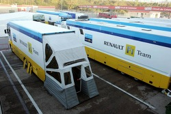 Renault F1 transporters