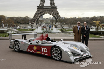 Prof. Dr. Martin Winterkorn and Dr. Wolfgang Ullrich pose with the new Audi R10
