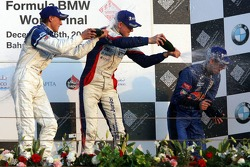 Podium: champagne for Marco Holzer, Sebastien Buemi and Nicolas Huelkenberg