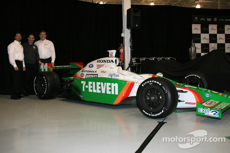 Michael Andretti and Tony Kanaan with the Team 7-Eleven Dallara Honda Firestone