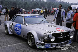 #40 Mercedes-Benz 450 SLC