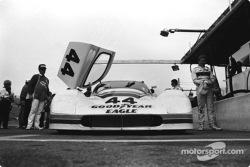 #44 Group 44 Jaguar XJR-7: Hurley Haywood, Whitney Ganz, Bob Tullius