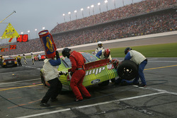 Pitstop for Kevin Lepage