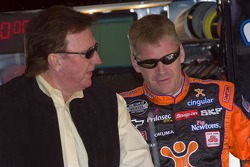 Jeff Burton talks with Richard Childress
