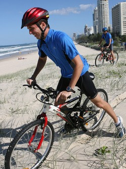Red Bull fitness training in Surfers Paradise: Neel Jani