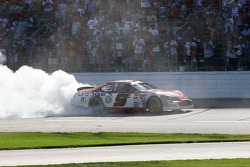 Burn out for Kasey Kahne