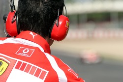 Ferrari mechanic watches Luca Badoer