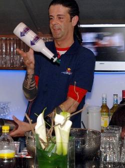 Chilled Thursday: the barkeeper