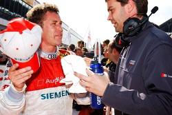 Tom Kristensen talks with Audi engineer